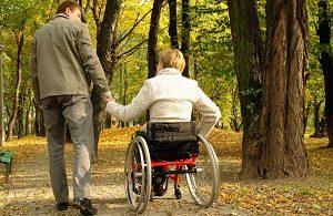 Пациентка в инвалидной коляске