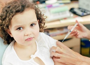 Укол инсулина ребенку
